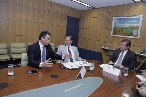Marcel Micheletto garante recursos para revitalizar praças em Assis