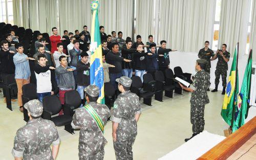 Junta Militar convoca jovens para Juramento à Bandeira