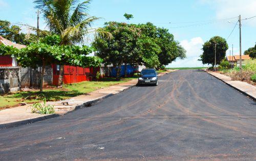 Obras em Assis: Jardim Tropical começa a ser asfaltado