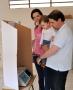 Prefeito Marcel Micheletto acompanhado pela esposa Franciane e pelo filho Guilherme exerceu seu papel como cidadão na eleição de escolha dos novos conselheiros