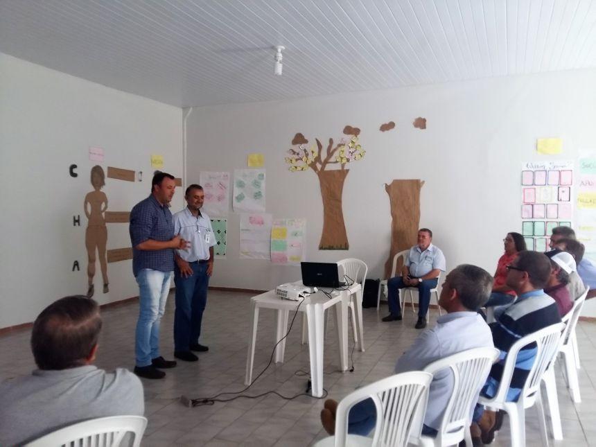 Prefeito Leandro Cesar de Oliveira fala da importância do projeto para a região. Foto: Jhony de Oliveira Lima.