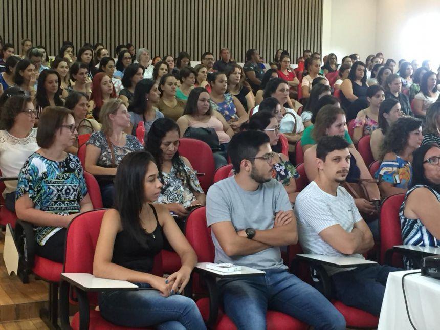SME dá início ao ano letivo com Semana Pedagógica; vereadores destinam economias do Legislativo para nova sede da Secretaria.