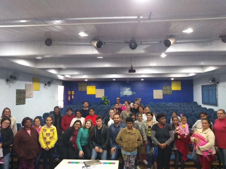 Comunidade participa de reunião sobre programas sociais. Fotografia: Jhony de Oliveira Lima.