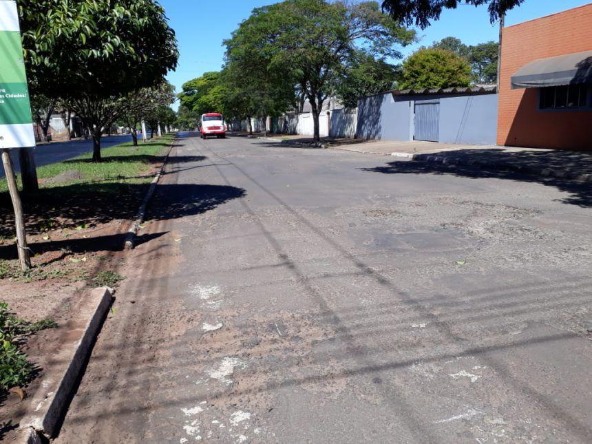 Prefeitura realiza recapeamento asfáltico em ruas da região central