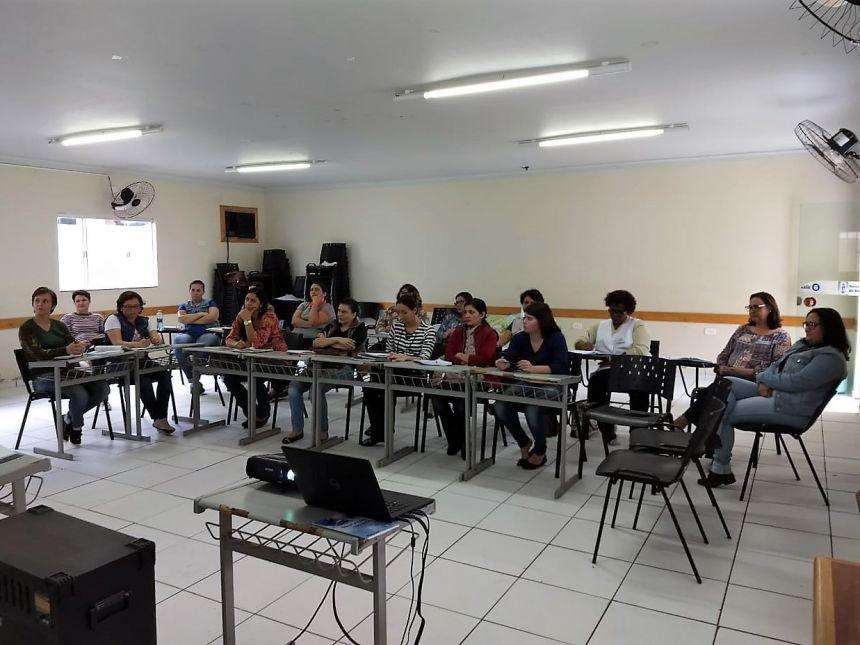 Educadores participam de formação continuada sobre a BNCC. Fotografia: Jhony de Oliveira Lima.