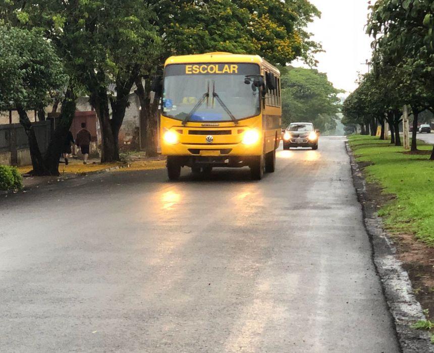 Com obrigações em gestão escolar em dia, Prefeitura de Araruna recebe ônibus escolar do FNDE; saiba mais.