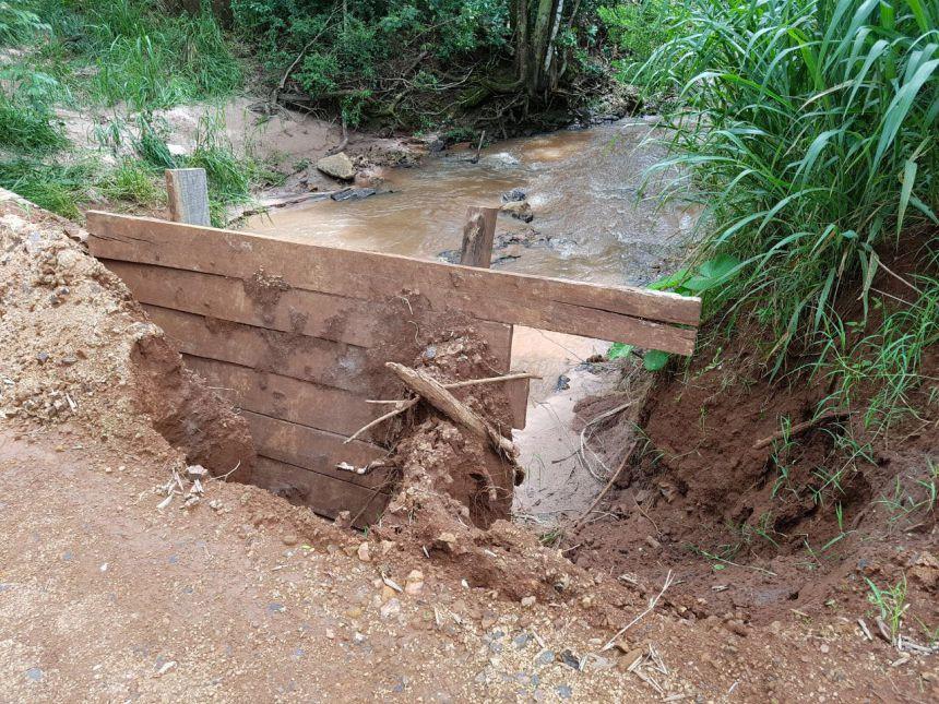 Chuva causa estrago na malha viária rural do município de Araruna. Fotografia: Leandro Cesar de Oliveira.