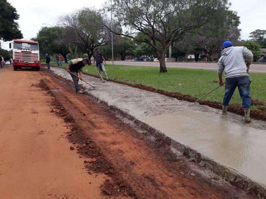 Prefeitura fiscaliza obra de Pista de Caminhada