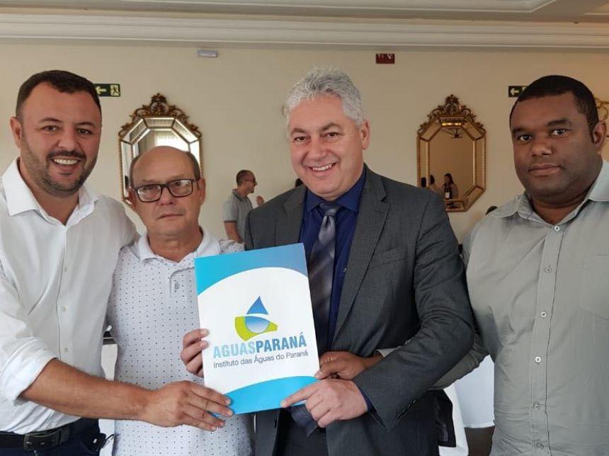 Deputado destina recursos ao Setor de Meio Ambiente de Araruna. Fotografia: Jhony de Oliveira Lima.