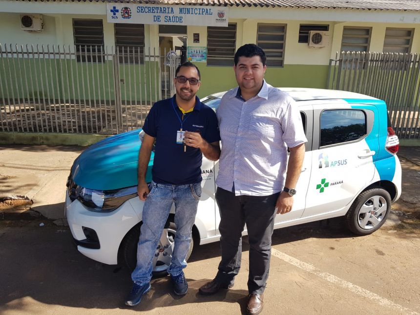 Secretário entrege veículos para equipes de UBS em Araruna. Fotografia: Jhony de Oliveira Lima.