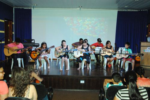Projeto Edificar promove mostra cultural com apresentações de alunos, idosos e professores. Fotografia: Rivaldo Mattos.