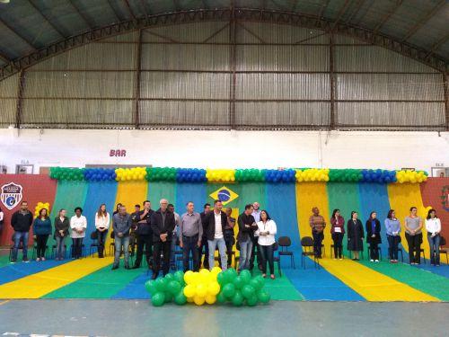 Autoridades prestigiaram as homenagens à nossa Pátria. Fotografia: Jhony de Oliveira Lima.
