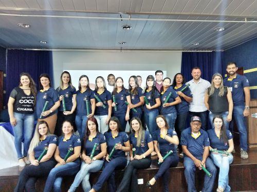 Agentes Comunitários de Saúde recebem diploma em formatura. Fotografia: Jhony de Oliveira Lima.