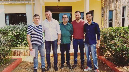 "Prefeito de Araruna visita ""Lar Carlinhos"" em Peabiru"