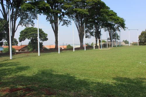 Centro Esportivo do Esplanada recebe alambrado e terá ginásio reformado