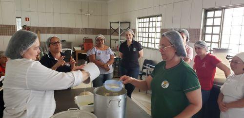 Secretaria de Agricultura ofereceu curso de laticínios para produtores e merendeiras