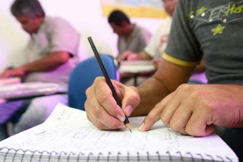 Secretaria de Educação abre matrículas educação de jovens e adultos