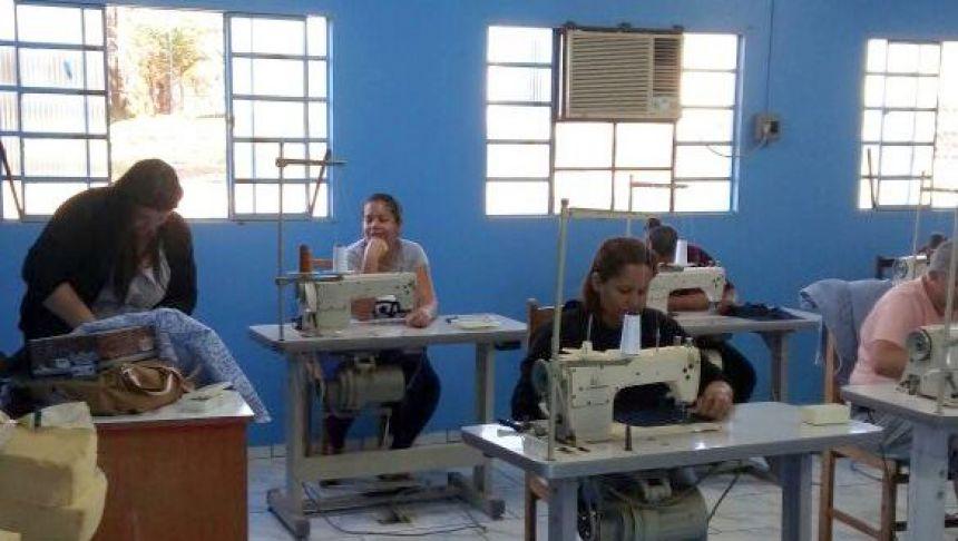 corte costura escola do trabalho em Alto Paraná