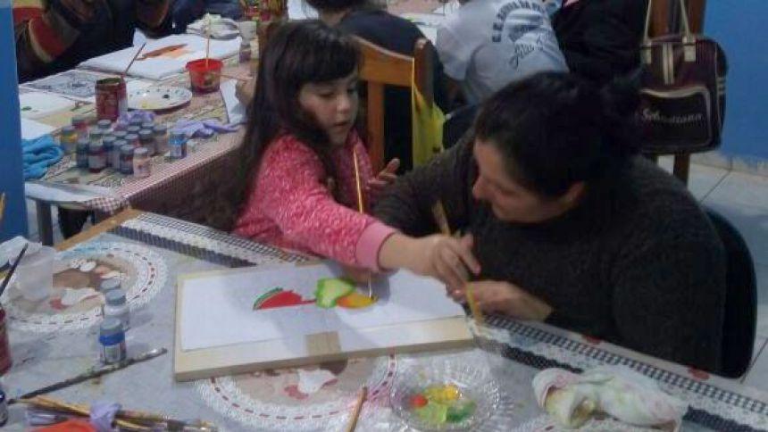 curso de pintura em tecido no Distrito de Maristela