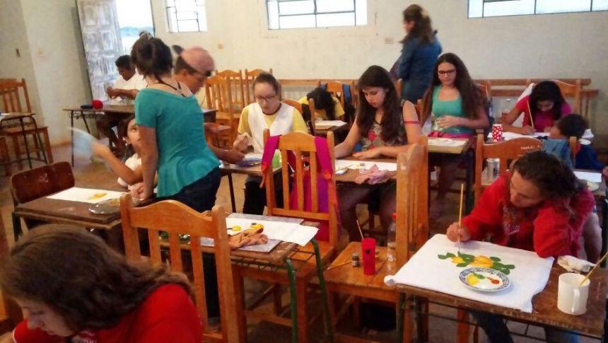 curso de pintura na vila rural Novo Paraná