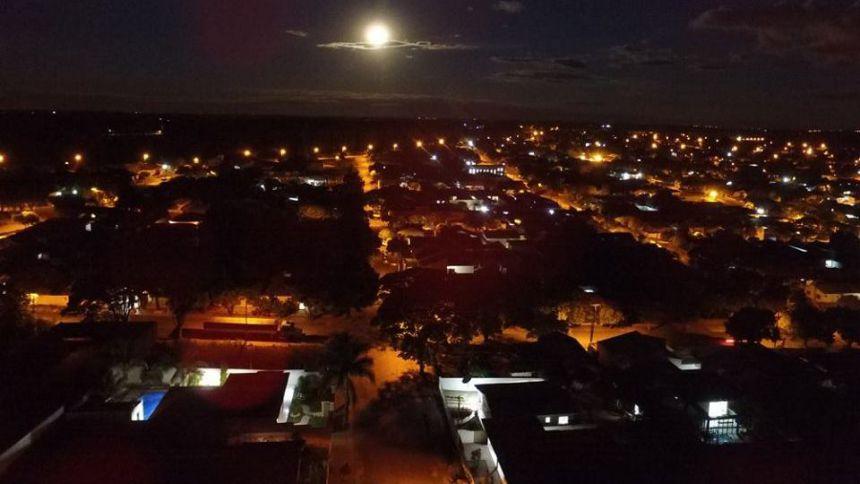 Noturna com Luar sobre Alto Paraná