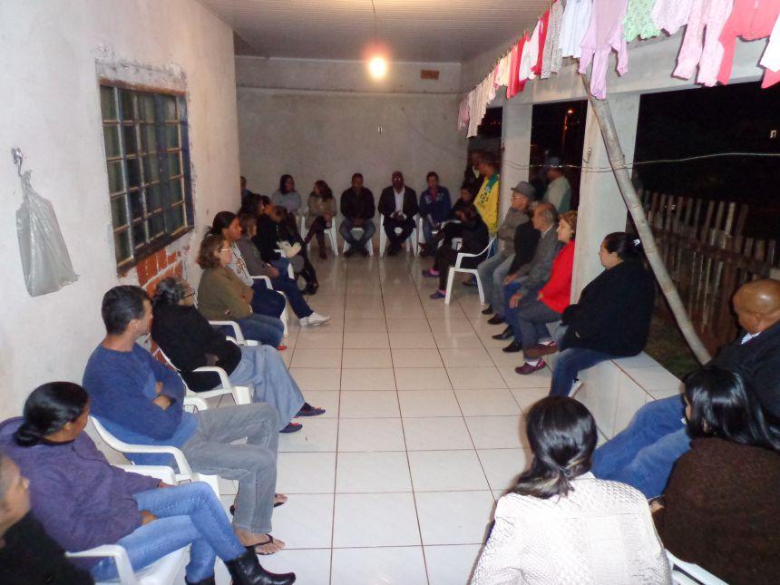 Administração municipal participa de reunião com moradores do Conjunto Verde Rosa