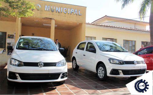 Município adquire dois veículos para o transporte de pacientes com recursos próprios