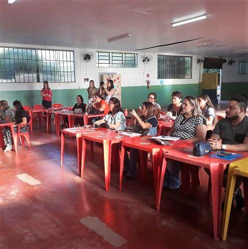 SECRETARIA DE EDUCAÇÃO, SEBRAE E DESENVOLVIMENTO ECONÔMICO INICIAM CAPACITAÇÃO PARA PROGRAMA JOVEM EMPREENDEDOR PRIMEIROS PASSOS.