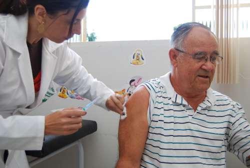 Mais de 400 mil paranaenses já foram vacinados contra a gripe