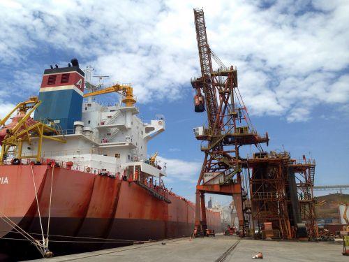 Porto de Paranaguá finaliza montagem do quarto shiploader