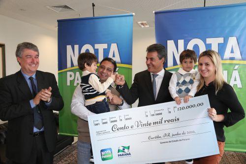 Prêmios do Nota Paraná ajudam na conquista da casa própria