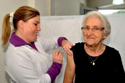 Vacinação contra a gripe no Paraná começa nesta segunda