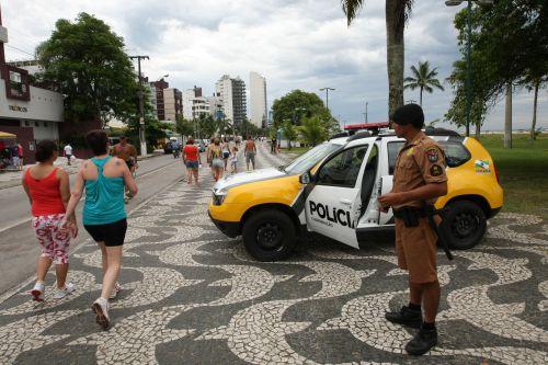Policiais passam por qualificação para o trabalho na temporada