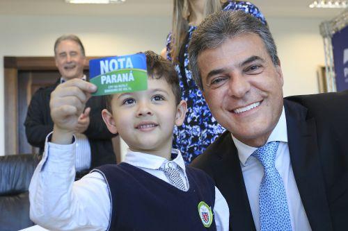 Pais do interior levam dois maiores prêmios do Programa Nota Paraná
