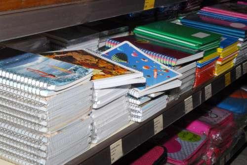 Pesquisa do Procon aponta diferença de até 227% nos preços do material escolar