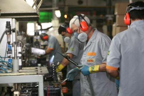 PIB do Paraná cresceu 5,7% em 2011, o dobro do País