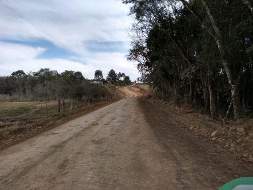 MELHORIAS E CASCALHAMENTO - ÁGUA PARADA