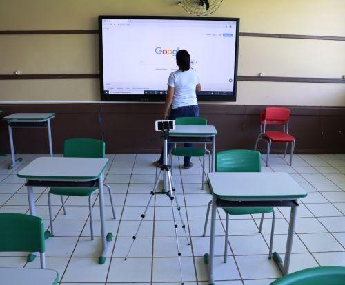 ENTREGA DE NOTEBOOKS PARA OS PROFESSORES DA REDE MUNICIPAL DE ENSINO