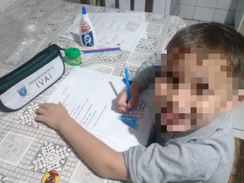 ENTREGA DE ATIVIDADES AOS ALUNOS DA REDE MUNICIPAL