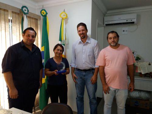 Sala do Empreendedor de Lunardelli recebe premiação em Curitiba