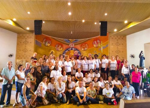 Grupo da Terceira Idade de Cruzmaltina visita grupo de Lunardelli