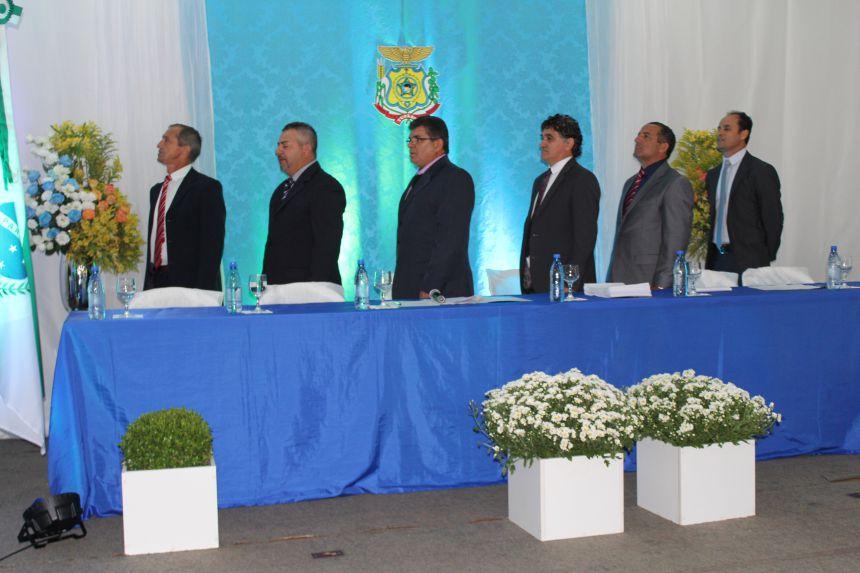 Prefeito, vice e vereadores tomam posse em Tupãssi