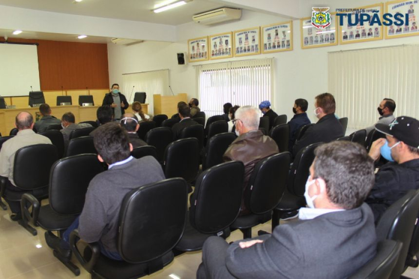 Membros do COE e da Prefeitura Municipal se Reuniram com Representantes de Instituições e Comunidades de Tupãssi