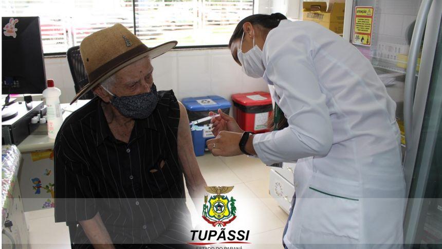 Tupãssi Inicia a Vacinação Contra a COVID-19  dos Idosos com Idade acima de 90 Anos