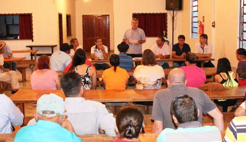 Reunião discute construção de casas populares em Brasiliana