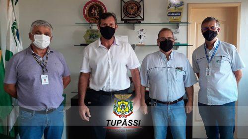 Prefeitura de Tupãssi Recebe a Visita de Membros do SEAB e do IDR- Paraná