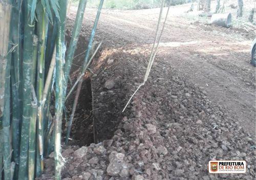 Reconstrução de acesso bairro Campeiro