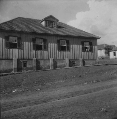 Uma das primeiras residências do município. Um dos prédios antigos que quase não sofreu alteração com o tempo