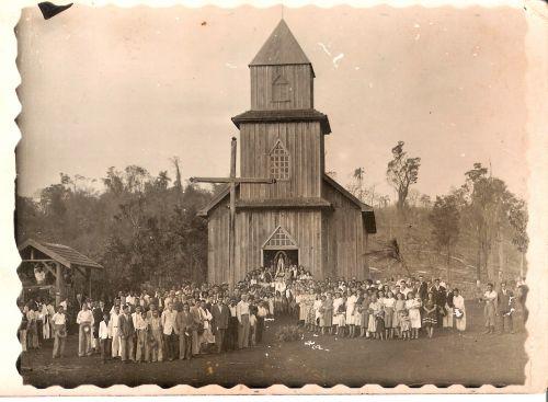 Primeira igreja católica do município