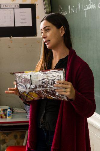 Alunos de Ribeirão Claro aprendem sobre coleta e destinação de lixo